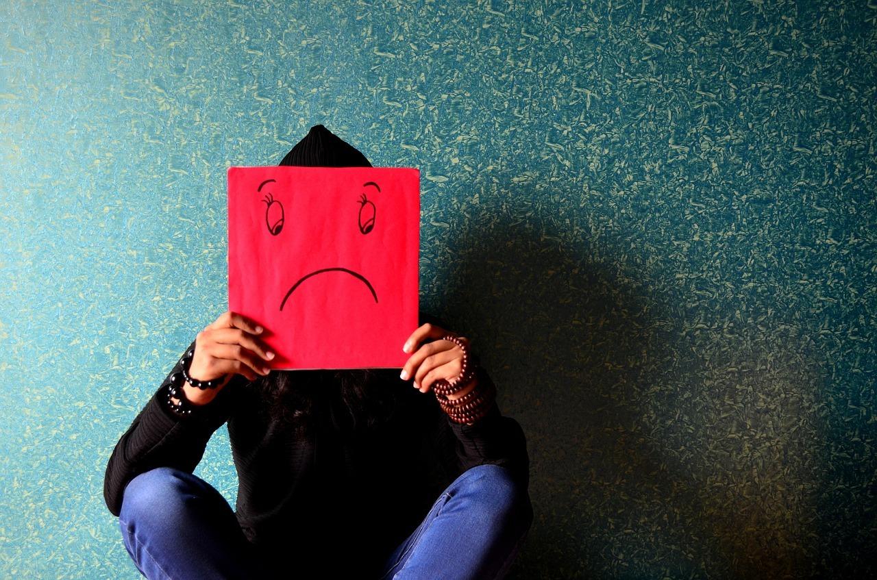 Signs Of Depression for Adults, Teenagers & The Elderly