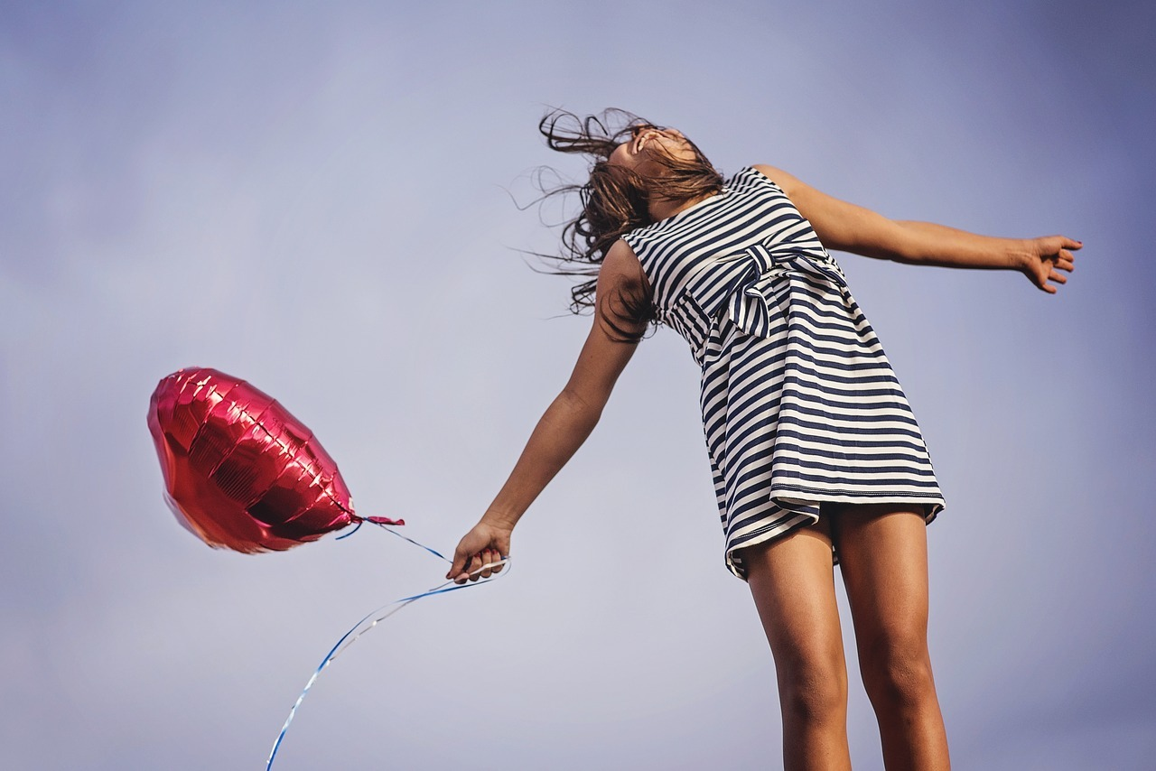 17 Ways To Live a Happier Life and Treat Depression